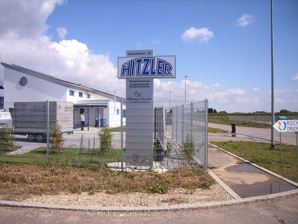 Werbepylon der Firma Hitzler - Werbepylon.de