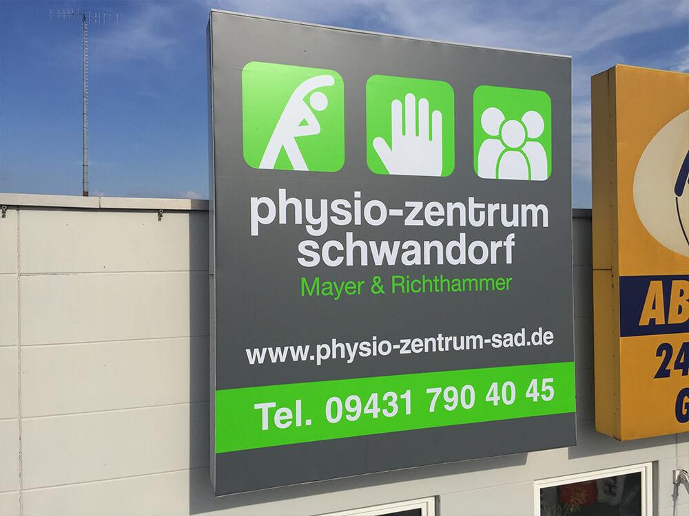 Spanntuchtransparent - Physio Zentrum Schwandorf - Werbepylon.de