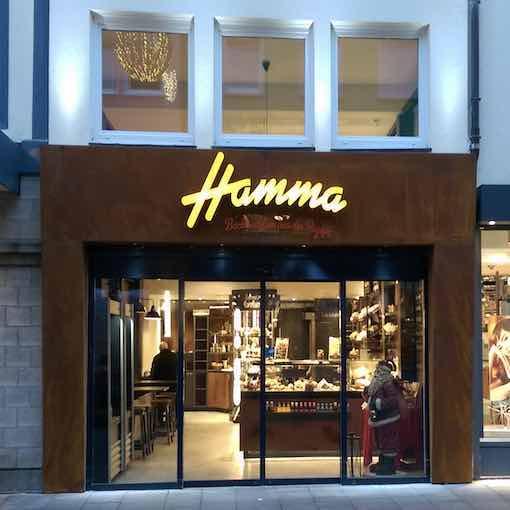 Eingangsportal beleuchtet für Einzelhandel