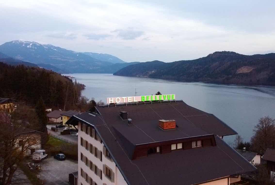 Werbung Hotel am Dach Leuchtreklame