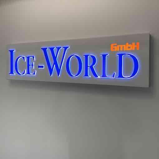 Ice World Leuchtreklame